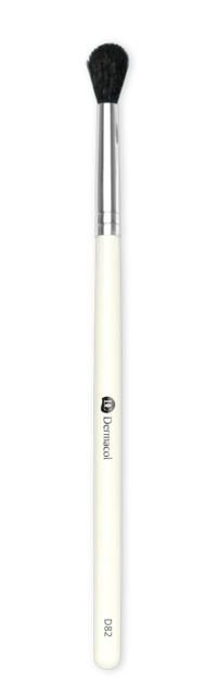 D82 EYESHADOW BLENDING BRUSH